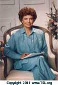 elizabeth-clare-prophet-seated ...